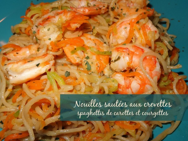 Nouilles sautées aux crevettes carotte et courgette